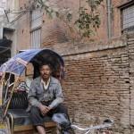 PropriŽtaire d'un triporteur ˆ Katmandou/tricycle nepalese owner