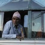 Vieil homme dans un bus/old man in a bus